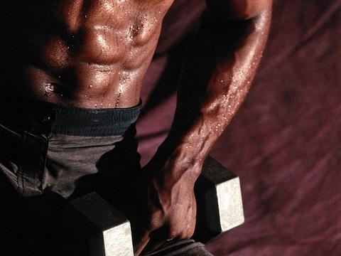 تمرین با وزنه و تاثیرات مفیدی که بر بدن دارد